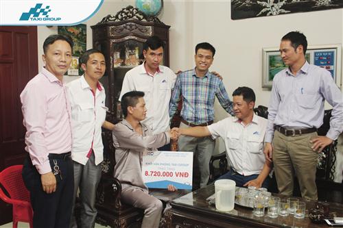 Trao tặng số tiền quyên góp, ủng hộ Lái xe Nguyễn Đức Tiến - Đơn vị Hà Nội 08
